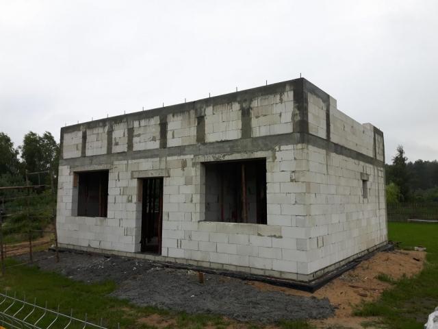 ściana kolankowa