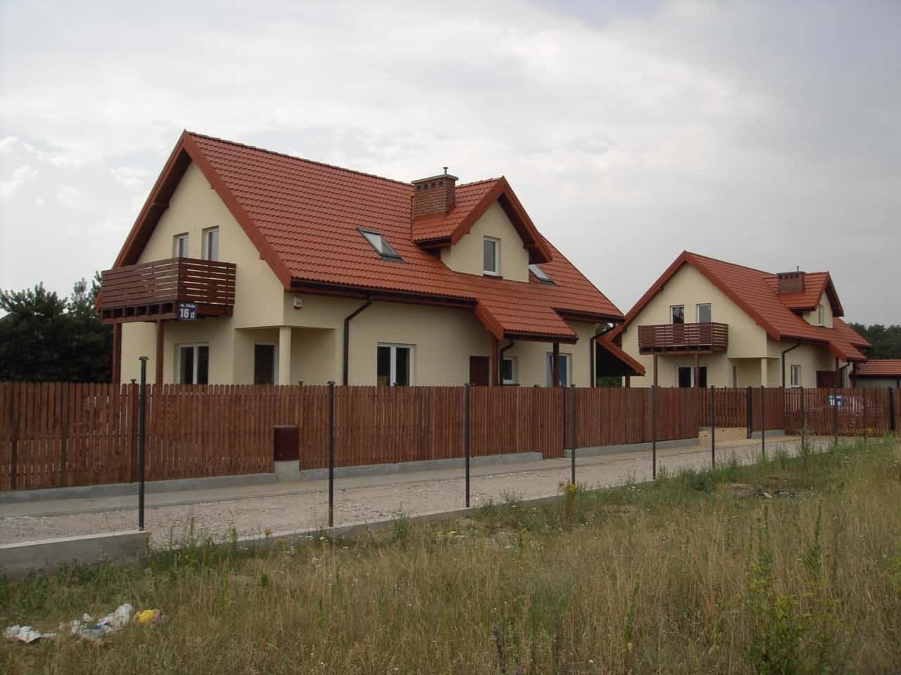 dom jednorodzinny w budowie