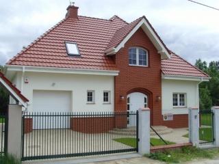 dom jednorodzinny chotomów